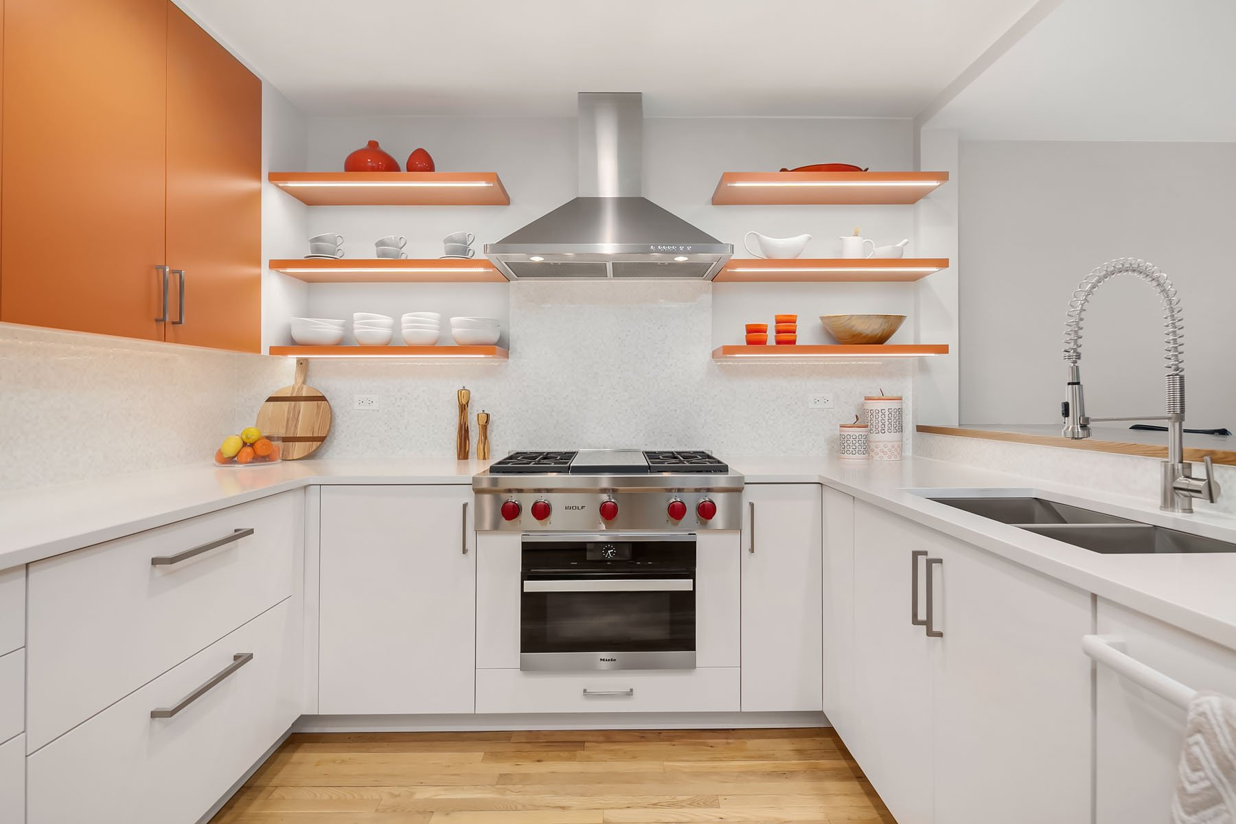 kitchen design chicago, kitchens chicago, hannah tindall, interior design, horseshoe kitchen, horseshoe layout